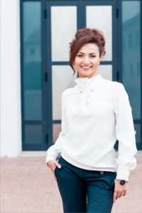 Frau als Konfliktmanagerin im Business Dress